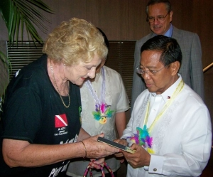 Hazel Stuart presents VP Binay with her 50th documentary film  on the Philippines