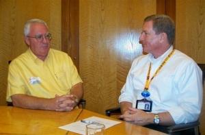 writer Robert Harland interviews Ocean Park's chief executive Tom Mehrmann (Annie Chung photo)