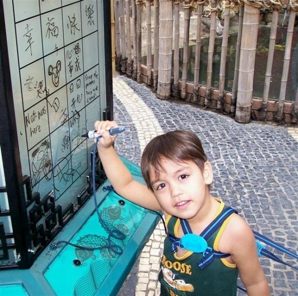 Robert Harland Jr's tries his hand at writing his name in Chinese (Robert Harland photo)