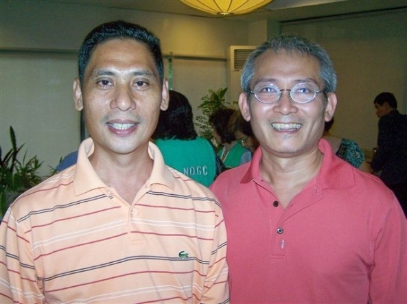 Vicente Chin (left) with Bacolod horticulturist Francis Te