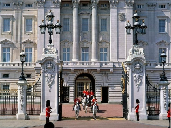 Buckingham Palace - urgent repairs are needed