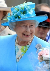 Queen Elizabeth - turning off the lights to save money