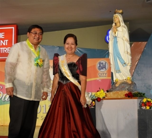 Bacolod Vice Mayor Jude Thaddeus Sayson and the Hermana Mayor, Beverly Baustista
