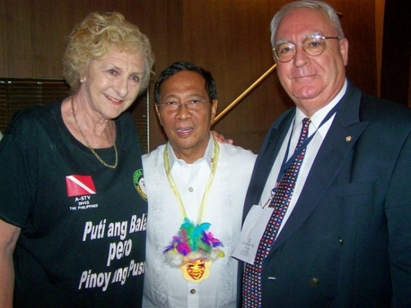 British Embassy wardens for Negros Occidental Hazel Stuart and Robert Harland with Vice President Jejomar Binay