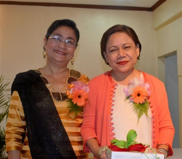 Garden Club 2013 president Lourdes Mercado with guest speaker and inducting officer the Hon. Cynthia Villar,