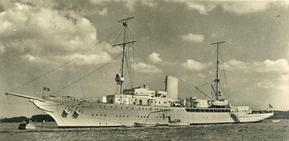 Aviso Grille, Hitler's luxury yacht